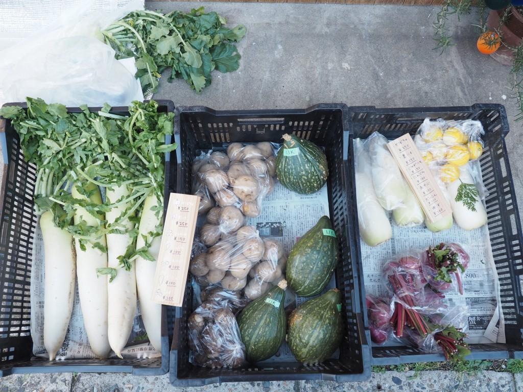 アンドウッド前では野菜販売